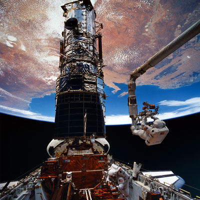 Repairing the Hubble Space TelescopePosted in Cool Science